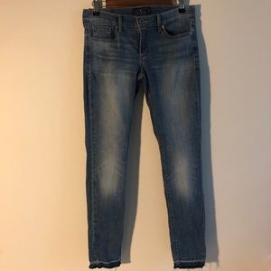 Lucky Brand | Charlie Skinny |Light wash denim | 6